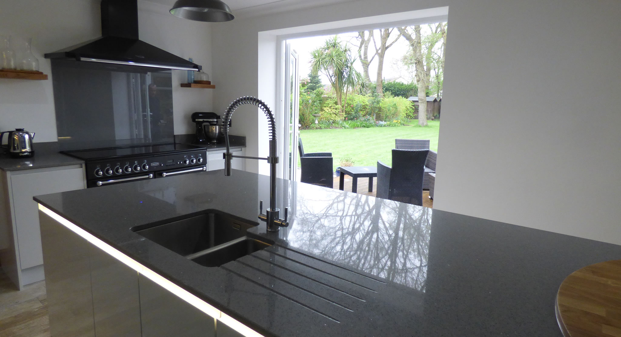 Verwood Kitchens and Bathrooms - Kitchen design and installation